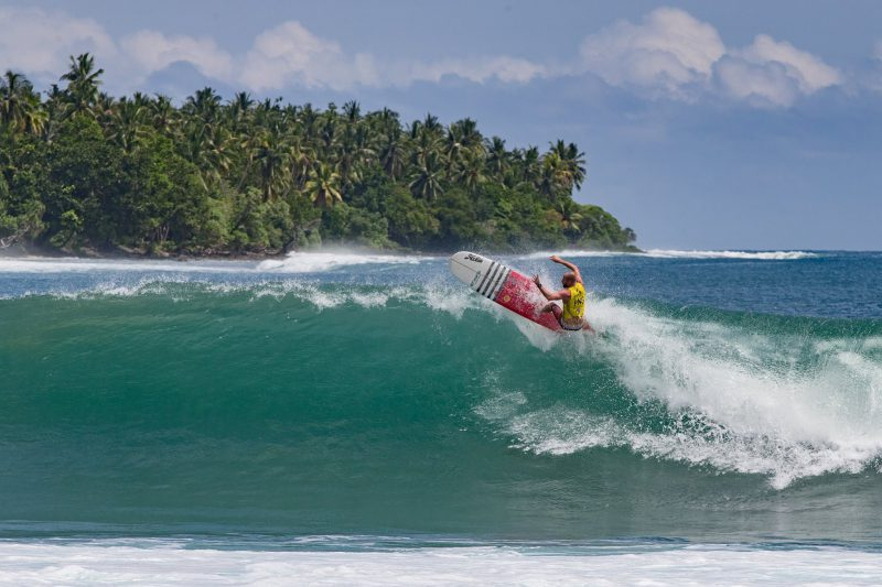 paga-hill-estate-gummi-gudmundur-fridriksson-papua-new-guinea-surfing